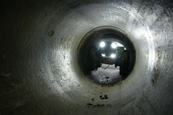 Camera inspectie met robot in riool leiding